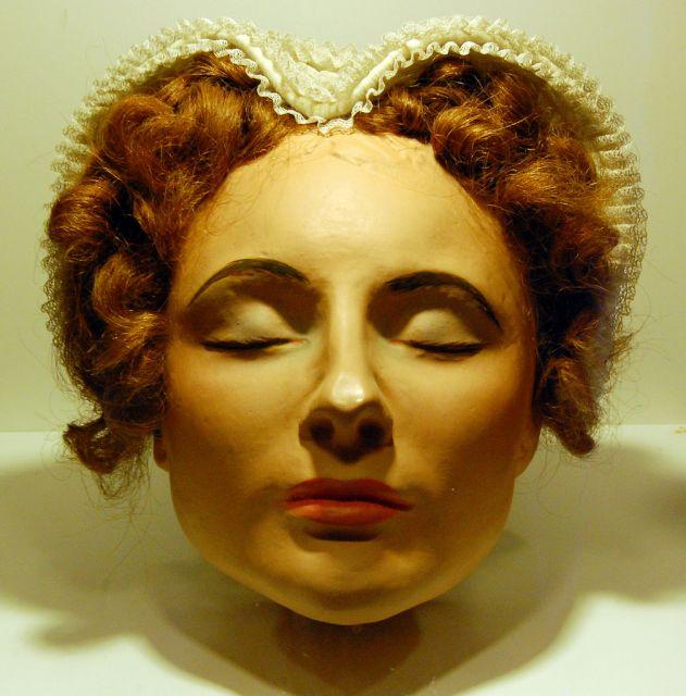 Посмертная маска Марии Стюарт